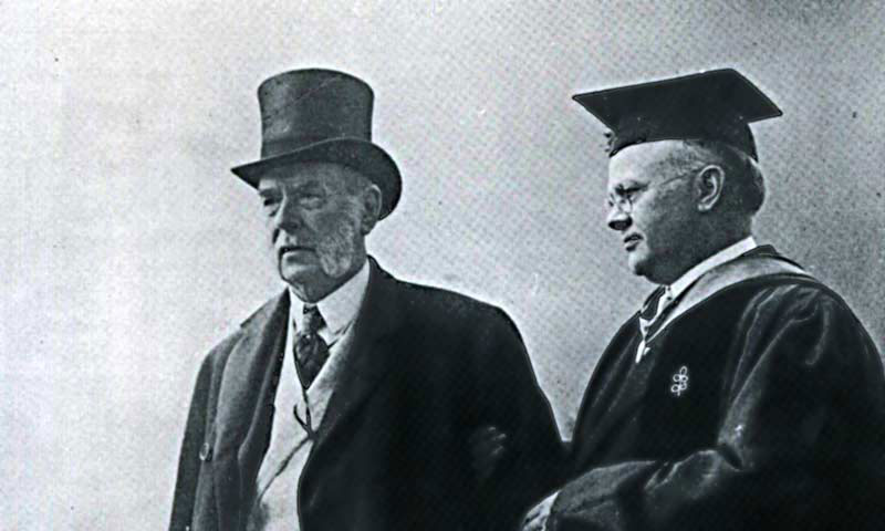 Wallace Brett Donham (on right)